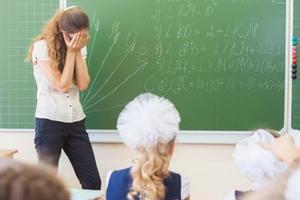 英国刺头学生太多 四成老师表示曾被暴力攻击