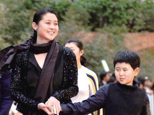 倪萍和儿子虎子