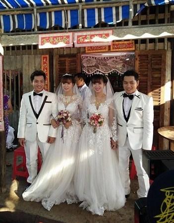 越南南部金瓯省日前举行一场奇妙的婚礼,一对双胞胎兄弟娶了同样是双胞胎的姐妹。