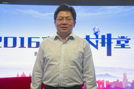 清华大学招办主任刘震
