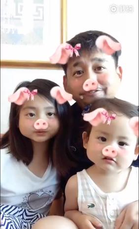 黄磊与两个女儿