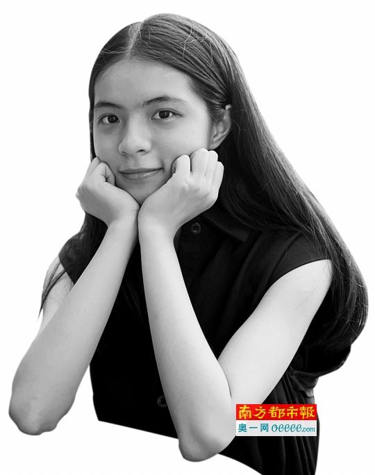 东莞中学双胞胎学霸姐姐徐琬励
