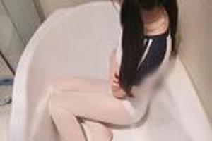 直播平台现10来岁小学女生不雅视频 脱衣脱裤