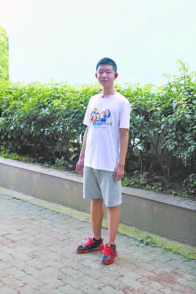 """""""自学小王子""""入选清华大学""""领军计划"""""""