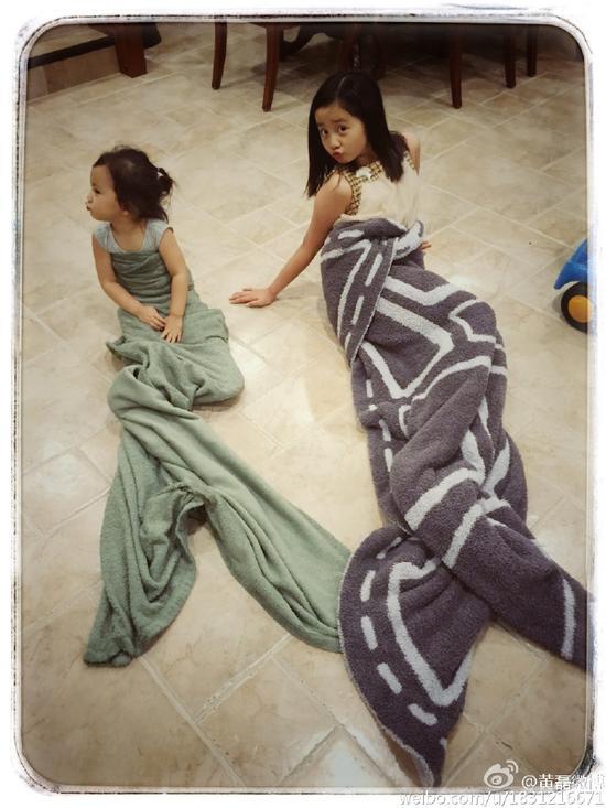 两姐妹成美人鱼