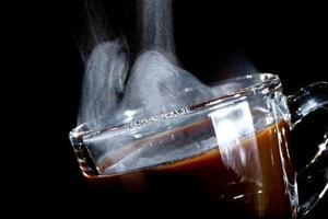 藏在基因里的咖啡瘾:为什么会咖啡成瘾(双语)