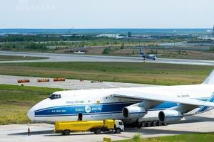 美媒:中国学生在美学飞行数量激增