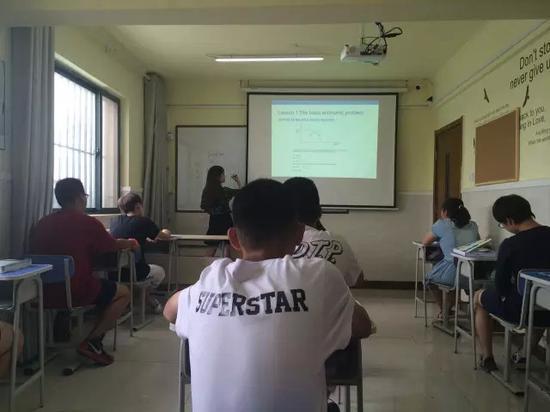 国际高中学生讲述:全英授课是怎样的体验