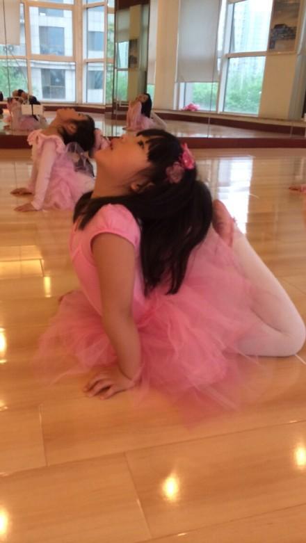 学芭蕾舞下腰