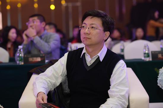 中国教育发展战略学会高中专委会秘书长蒋承出席教育盛典