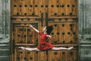 墨西哥的街头的芭蕾舞者 就是这么的霸气(图)