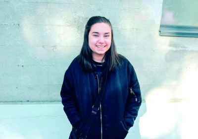 卡洛琳·莫欣尼 18岁