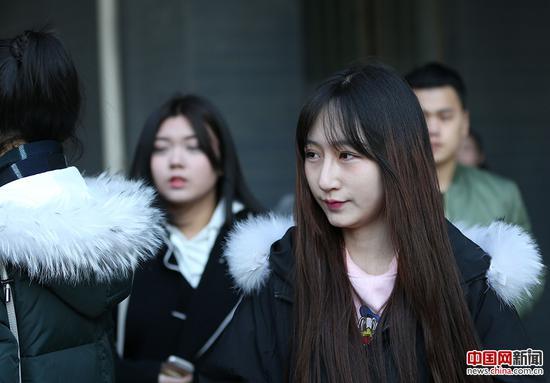 2017年2月8日,北京电影学院2017年度艺考招生考试开始,表演系考生颜值爆棚。中国网记者 陈维松 摄