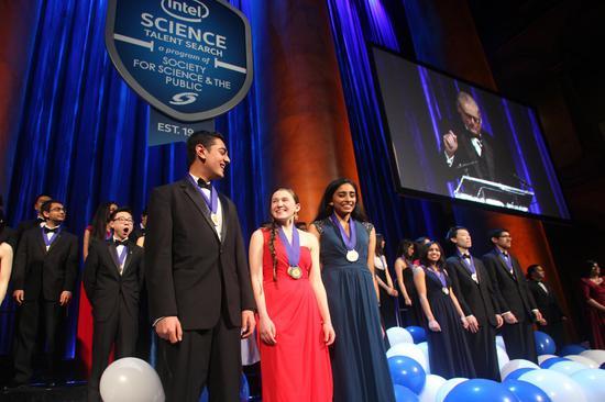 2016年科学英才选拔赛的颁奖仪式 2016年科学英才选拔赛的颁奖仪式