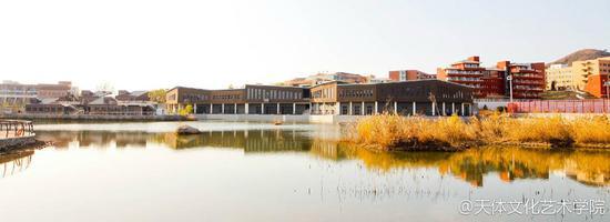 水上图书馆
