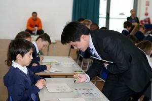 英国学校数学全球排名落后 开始用中国教材
