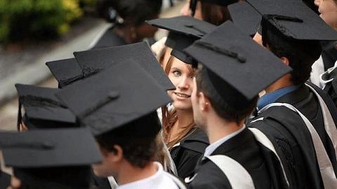 """为什么很多人感觉自己上了个""""假大学""""?"""