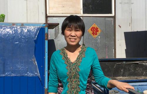 《我是范雨素》刷爆朋友圈,网友称从范雨素身上看到了自己。44岁、离异、初中文化、家政女工范雨素走红只用了一天,她文章有何特别之处?