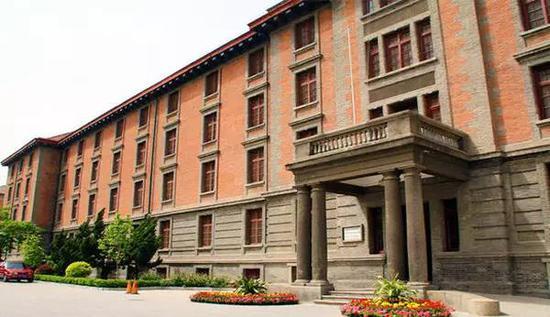 北京大学红楼-15处高校建筑入选首批中国20世纪建筑遗产名录图片 39909 550x317