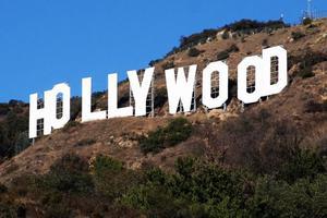 好莱坞华裔明星故居500万美元待售 建筑商抢购