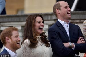 德数千学生要求重考英语听力 哈里王子讲话含糊