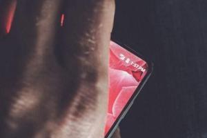 安卓之父自己做的手机即将上市 月底发布