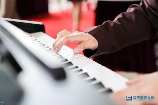 优美的钢琴伴奏
