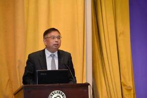 第二届职业发展论坛在华东理工大学盛大开幕