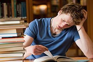 学生须知:上美国读高中可以拿到奖学金吗