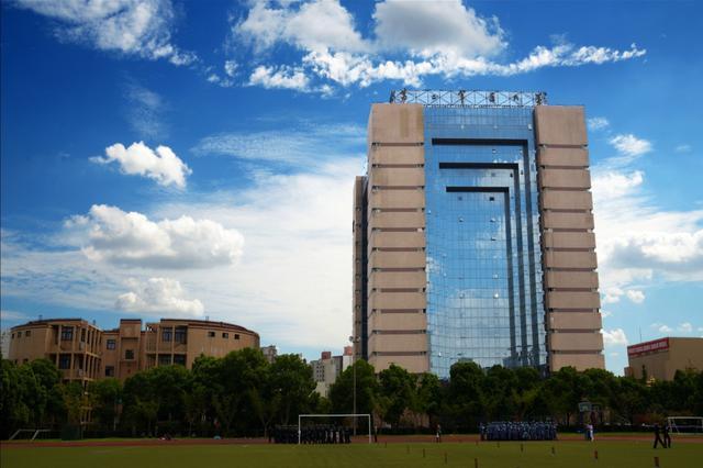 中国人民解放第二军医大学
