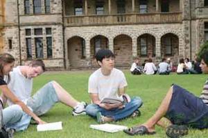 国际班学生须知:出国留学有风险 事事需谨慎