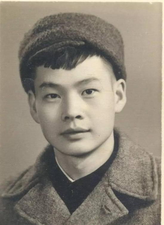 大学时期的吴硕贤。
