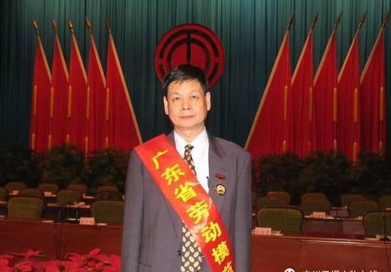 吴硕贤当选省劳模。