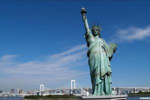 美国国土安全部打脸政府:再雇1.5万外国人