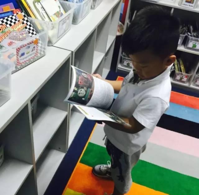 哥哥在AISG最大的收获是培养了对阅读、尤其是英文阅读的极大兴趣