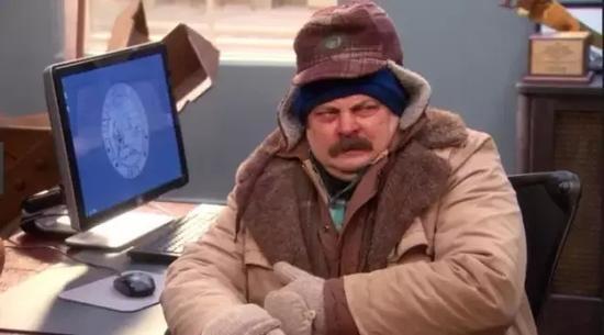 似乎哪里都有冷气机,还把温度调到最低