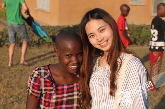 刘莹的暑假是在非洲游学 受访者供图 华龙网发