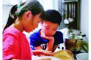 9岁女孩开美食培训班收同龄学员 自己支配利润