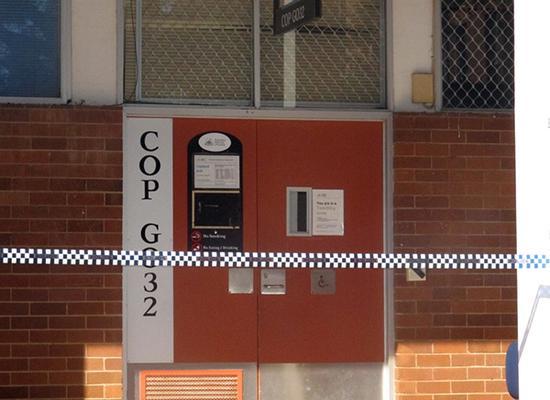 被警察封锁的一间教室