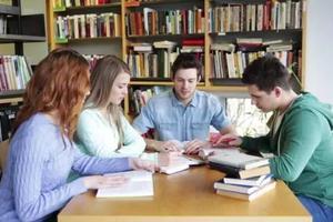 在美国大学活下来 你必须像美高党那样阅读写作