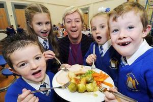 英国为公立学校二年级以下孩子提供免费午餐