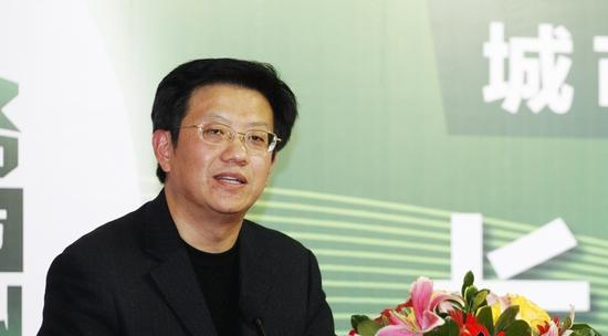凤凰传媒学院院长陈龙。资料图