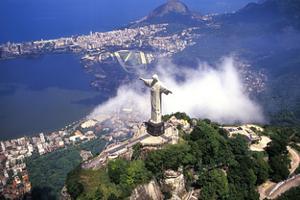 巴西青少年辍学率持续升高 仅半数在读高中