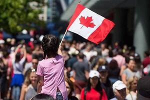 加拿大发出300万张十年签证 近半为中国人持有
