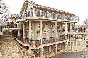 美豪宅太丑 降价七次让利132万美元还是卖不掉