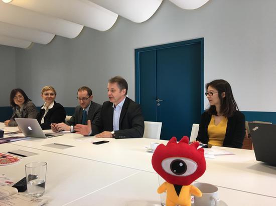 里昂大学联盟部分成员接受新浪出国访问