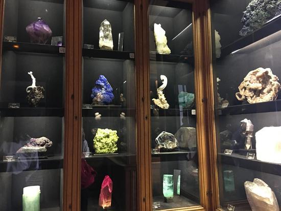 巴黎高矿学院收藏的矿石