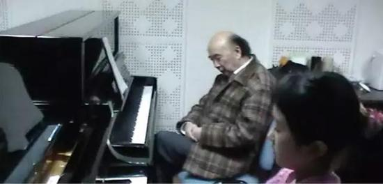 许智美的钢琴老师,著名的音乐教育家但昭义。图片来自作者