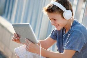 托福听力备考:听力考试跨学科备考建议汇总