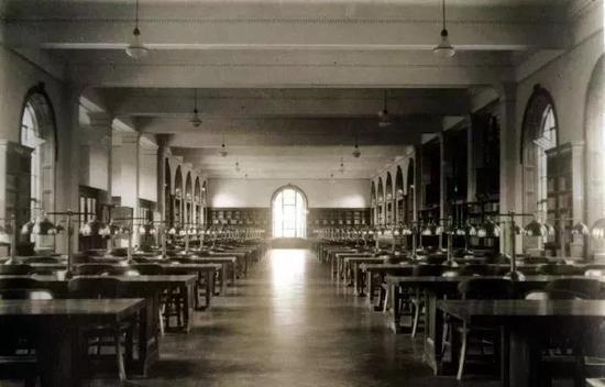 (1920年代老图书馆老照片)